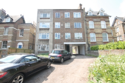 2 Bedroom Flat to rent in Archway Road, Highgate, London, N6