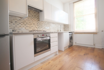 3 Bedroom Flat to rent in Westbourne Road, Islington, London, N7