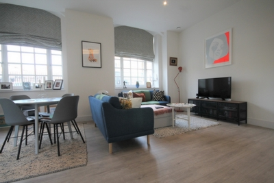 1 Bedroom Flat to rent in Mayes Road, Haringay, London, N22