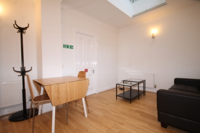 2 Bedroom Flat to rent in Queens Gate, South Kensington, London, SW7