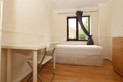 Single Room to rent in Kimberley Road, West Ham, London, E16