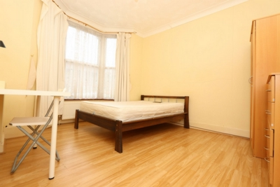 Double room - Single use to rent in Ashlin Road, Leyton, London, E15