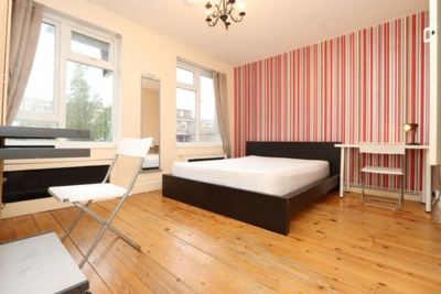 Double Room to rent in Geffrye Court, Hare Walk, Hoxton, London, N1