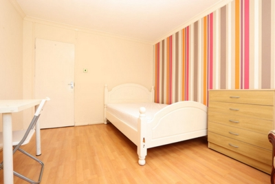 Double room - Single use to rent in Musbury Street, Stepney Green, London, E1