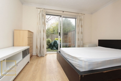 Double room - Single use to rent in Ann Moss Way, Canada Water, London, SE16