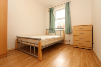 Double room - Single use to rent in Colegrave Road, Leyton, London, E15
