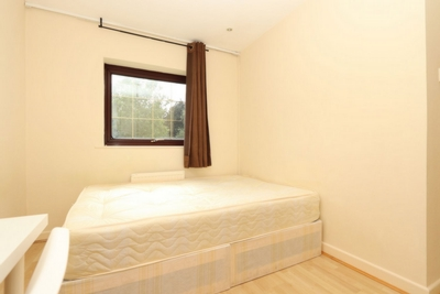 Double room - Single use to rent in Ropemaker Road, Cannada Water, London, SE16
