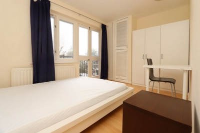 Double Room to rent in Rembrandt Close, Amsterdam Road, Canary Wharf, London, E14