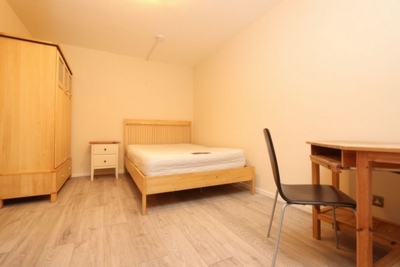 Double room - Single use to rent in Rembrandt Close, Amsterdam Road, Canary Wharf, London, E14