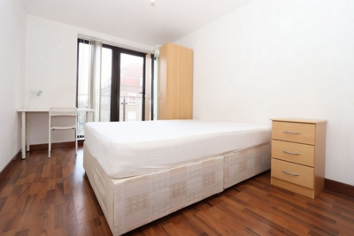 Double room - Single use to rent in Tara House, 4 Westferry Road, Canary Wharf, London, E14