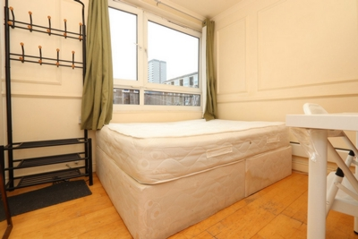 Double room - Single use to rent in McAusland House, Wrights Road, Bow, London, E3