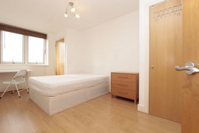 Double Room to rent in Skyline Plaza Building, 80 Commercial Road, Aldgate, London, E1