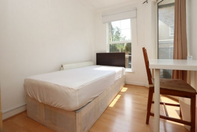 Single Room to rent in Foundry Place, Stepney Green, London, E1