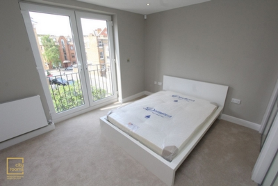 Double room - Single use to rent in 186 Blythe Road, Kensington Olympia, Hammersmith, London, W14