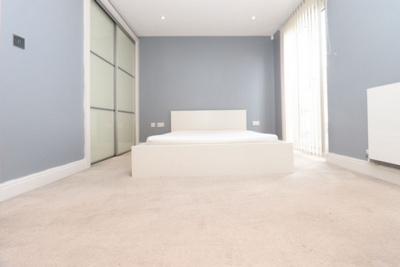 Ensuite Single Room to rent in 186 Blythe Road, Kensington Olympia, Hammersmith, London, W14