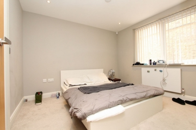 Ensuite Double Room to rent in 186 Blythe Road, Kensington Olympia, Hammersmith, London, W14
