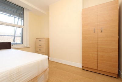 Double room - Single use to rent in Leslie Road, Leyton, London, E11