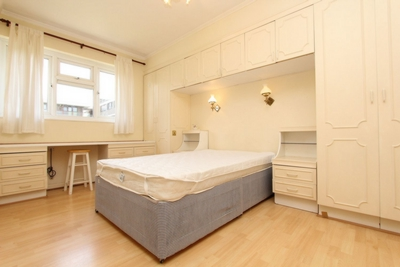 Double room - Single use to rent in Cherbury Court, Cherbury Street, Hoxton,Old Street, London, N1