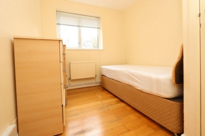 Single Room to rent in 32 Fairfield Road, Bow, London, E3
