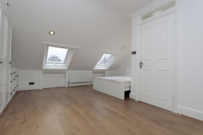 Ensuite Double Room to rent in Cheshire Road, Bowes Park, London, N22