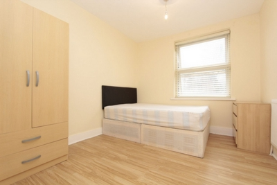 Double room - Single use to rent in Mornington Road, Leytonstone, London, E11