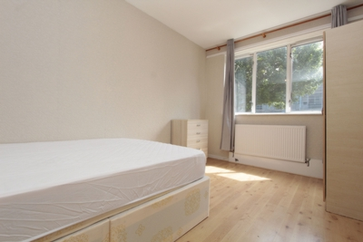 Double room - Single use to rent in Welton House, Stepney Way, Stepney Green, London, E1