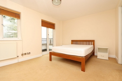 Ensuite Double Room to rent in Jamestown Way, Canary Wharf, London, E14