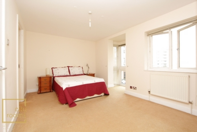 Ensuite Single Room to rent in Jamestown Way, Canary Wharf, London, E14