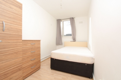 Single Room to rent in Regents Court,Pownall Road, Haggerston, London, E8