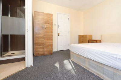 Ensuite Double Room to rent in Princes Riverside Road, Canada Water, London, SE16
