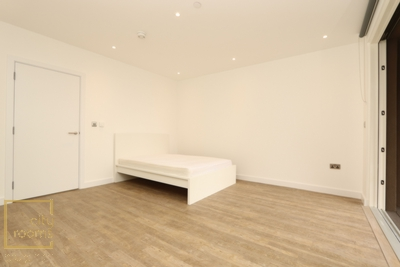 Double Room to rent in Porters Edge Apartment,29 Surrey Quays Road, Canada Water, London, SE16