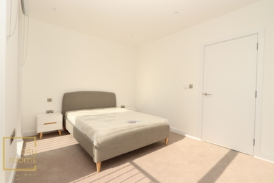 Double room - Single use to rent in Porters Edge Apartment,29 Surrey Quays Road, Canada Water, London, SE16