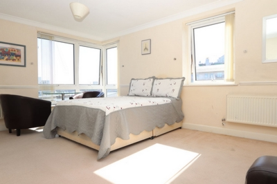 Double Room to rent in Adventurers Court,12 Newport Avenue, East India, London, E14