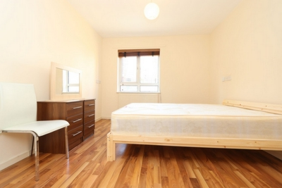 Double room - Single use to rent in Drywater Flats,Phoenix Wharf Road, London Bridge, London, SE1